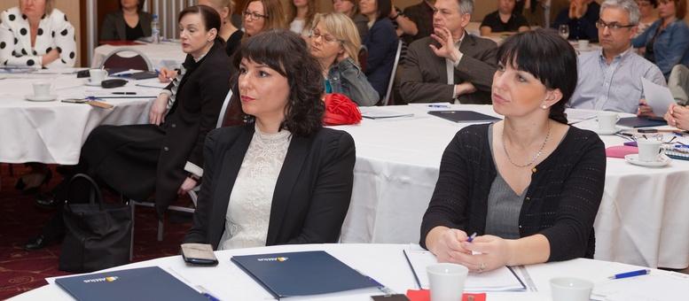 Organizatorica konferencije i polaznici