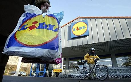 lidl-trgovina-kupac-bicikl-vrecica-midi