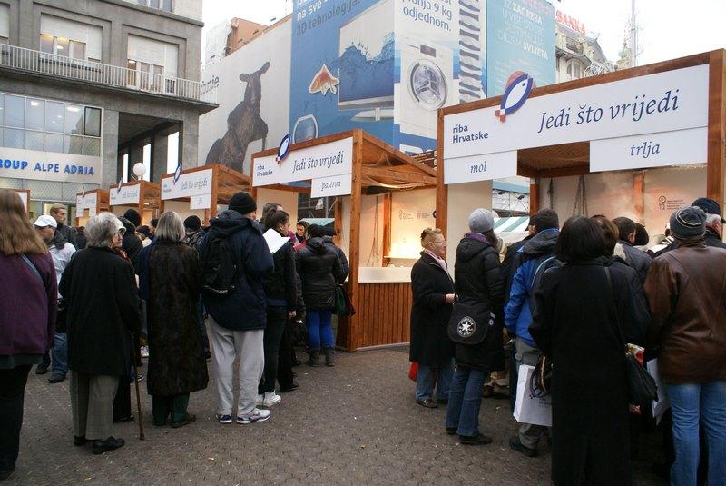 riba-hrvatska-jedi-sto-vrijedi-zagreb-standovi-large