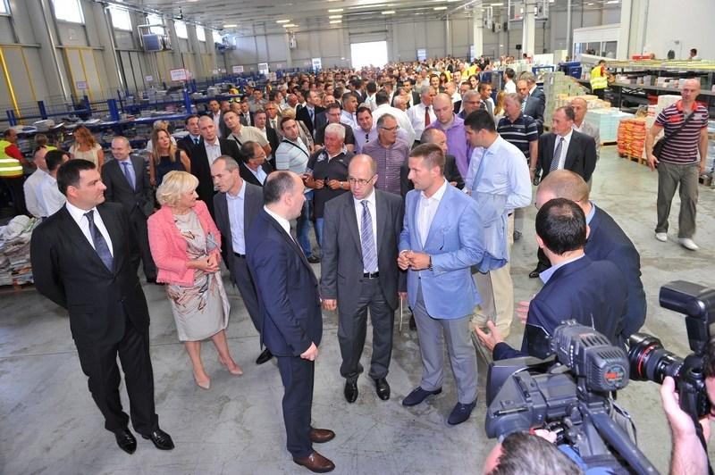 tisak-distributivni-centar-otvorenje-kolovoz-2012-001